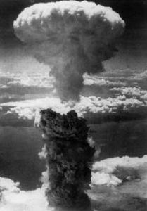 hiroshima_explosion_mushroom_cloud